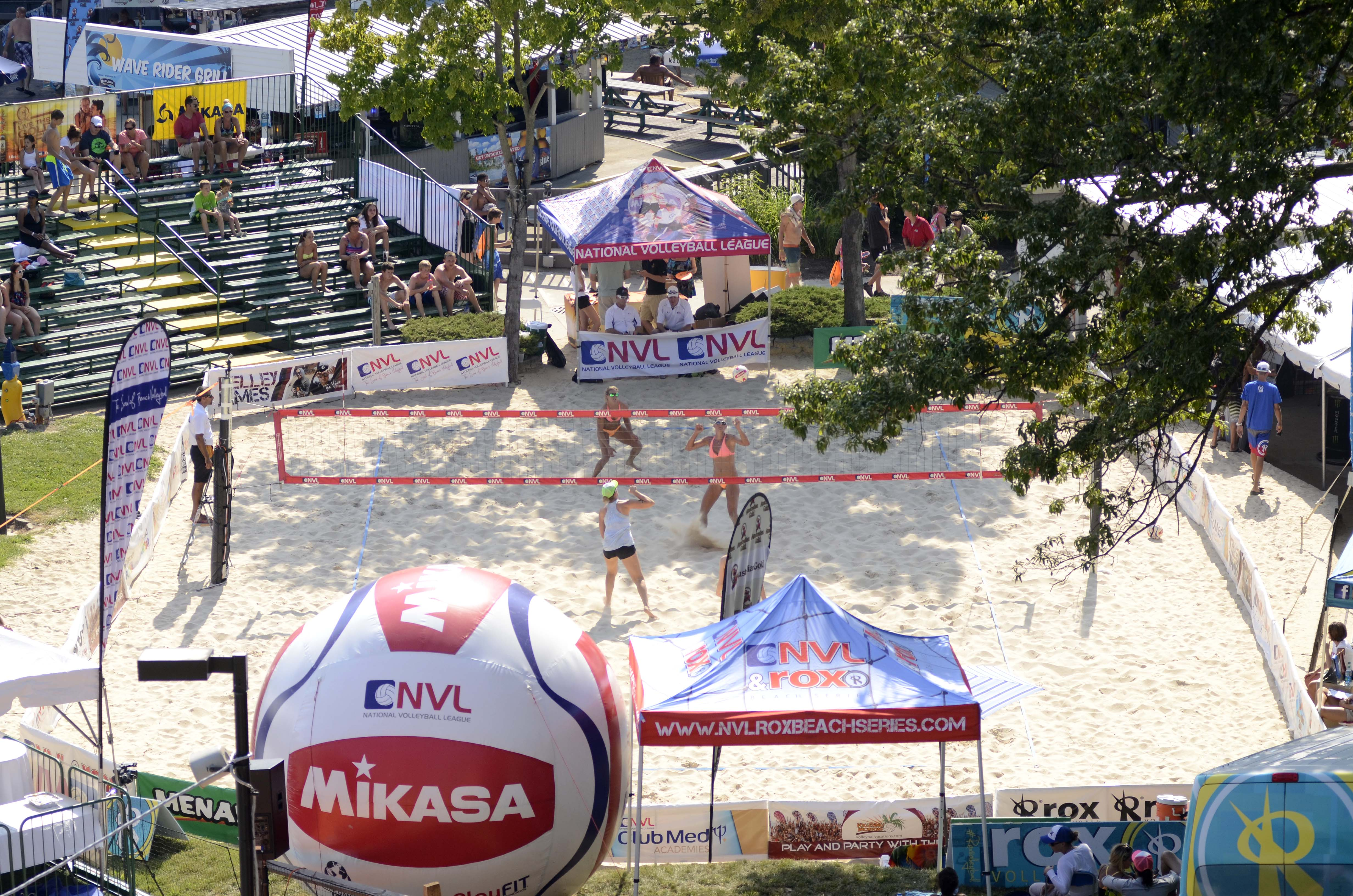 NVL Crowns New Winners at 2014 Midwest Championships – Brooke Niles and Jessica Stubinski Upset Defending Champions in Women's Final; Matt Henderson and Piotr Marciniak  Take Men's Title