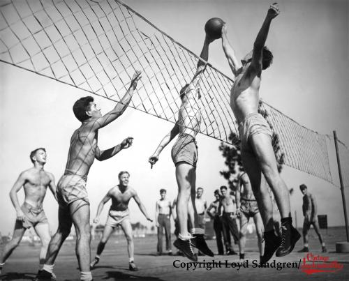 10 Vintage Photographs Of Volleyball!