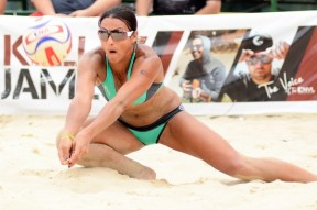 2-Jayme-Lamm-Jessica-beach-volleyball-player-October-2014_082435