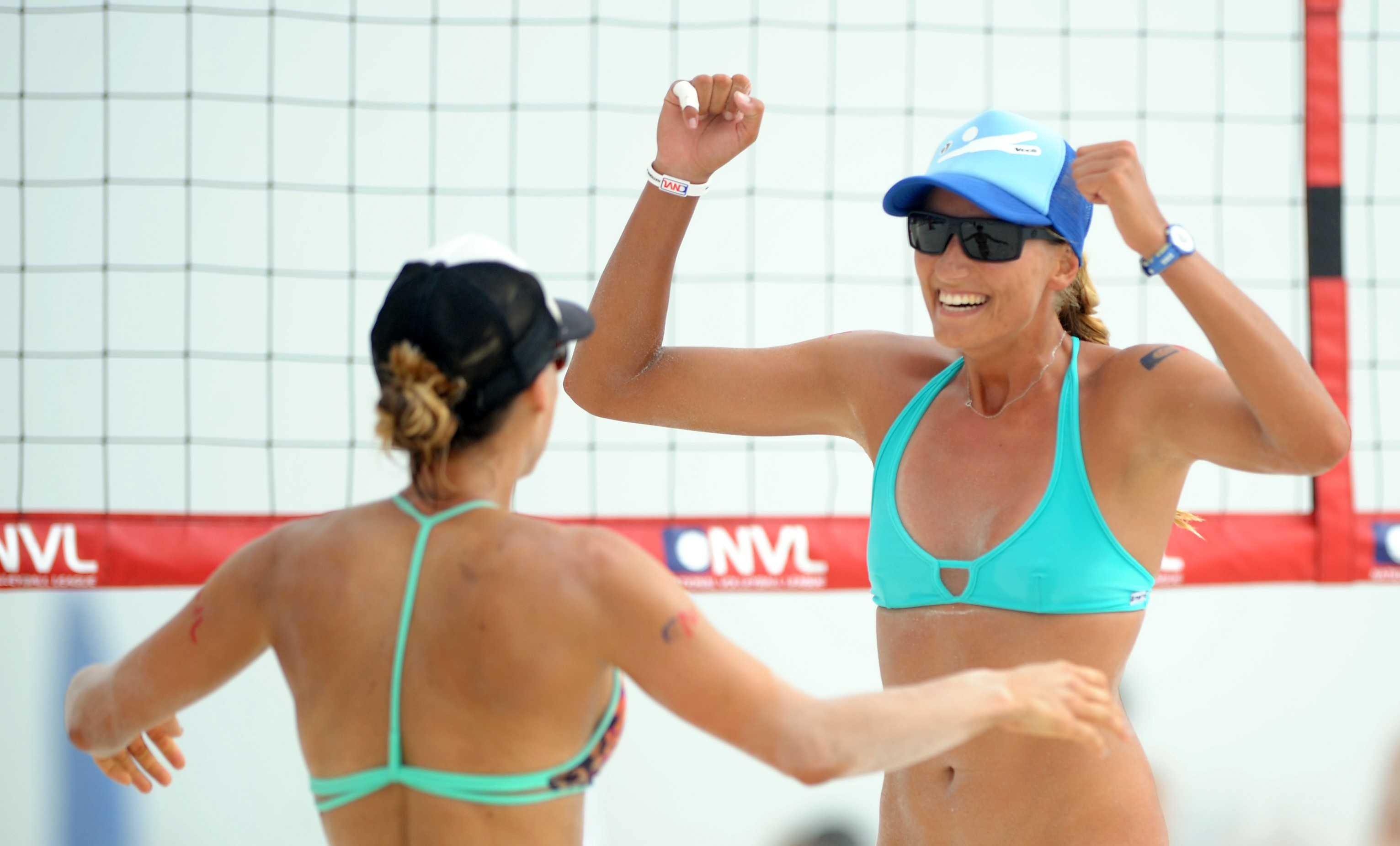 TOP SEEDS DAVE PALM & MIKE PLACEK AND  BROOKE NILES & KAROLINA SOWALA TAKE HOME WINS  AT NVL'S SEASON OPENER IN PANAMA CITY BEACH