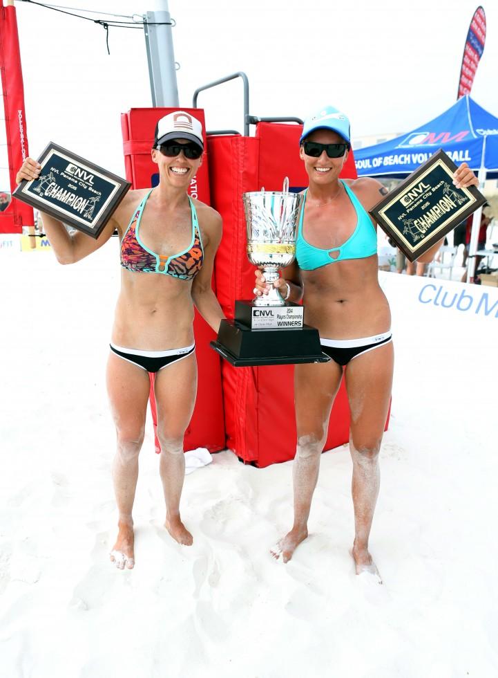 Women's Winners Brooke Niles & Karolina Sowala